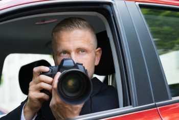 private detective Maidstone in a car
